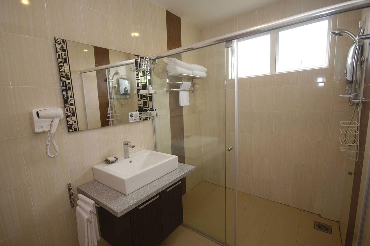 Tioman Dive Resort - Bathroom
